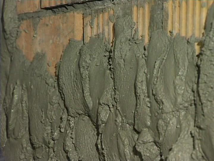 Нанесение цементных штукатурок