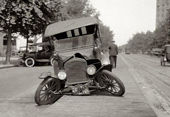 Старые автомобили - краш-тест