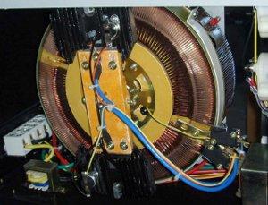 стабилизатор напряжения Энергия-10000 внутри