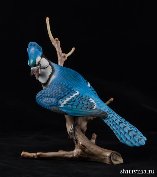 Фарфоровая статуэтка Голубая сойка на ветке. Herend, Венгрия.